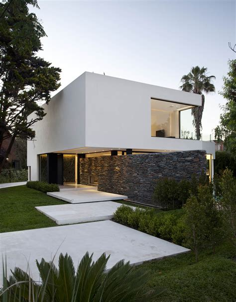 the entrance house entrance wall modern house in pilar buenos aires