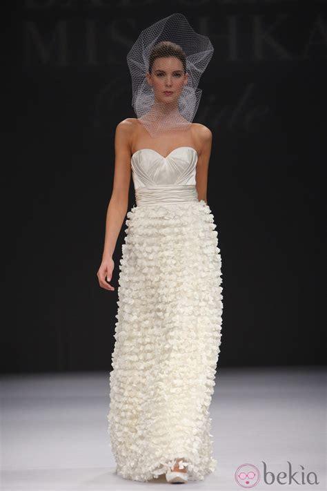 imagenes de vestidos de novia con brillos vestido de novia con escote palabra de honor y brillo