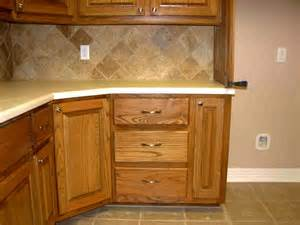 Kitchen Cabinet Corner Ideas by Corner Kitchen Cabinet Squeeze More Spaces Home Design