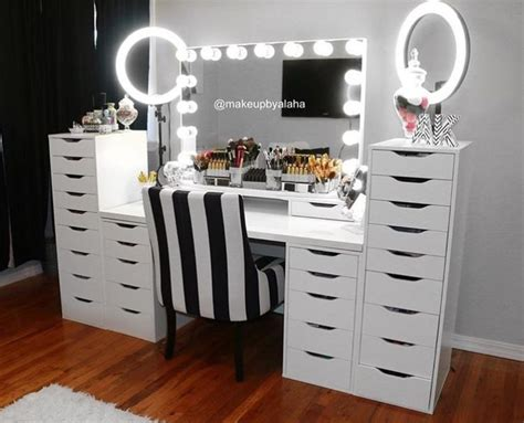 Make Up Dresser by 25 Best Ideas About Makeup Tables On Makeup