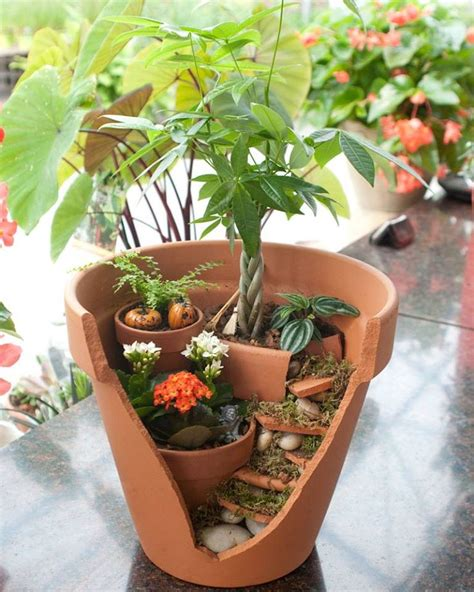 Flower Pot Garden Ideas Turn Your Broken Pots Into A Staggered Garden Broken Flower Pot