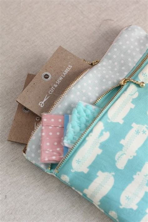 zippered fabric pouch pattern free sewing pattern tutorial and video double zip pouch