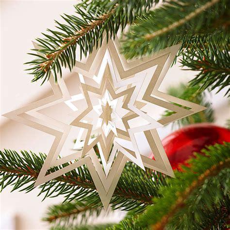 Schöner Weihnachtsschmuck bastelideen mit papier bunter weihnachtsbaumschmuck