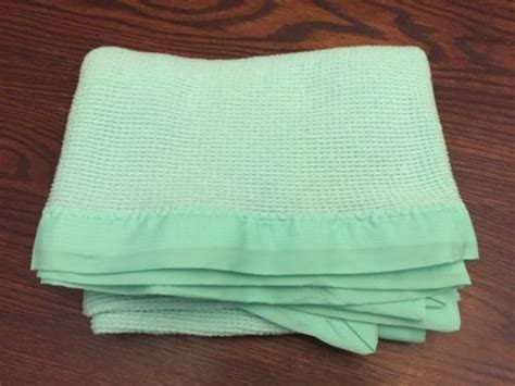 Thermal Blankets With Satin Trim by Baby Thermal Blanket For Sale Classifieds