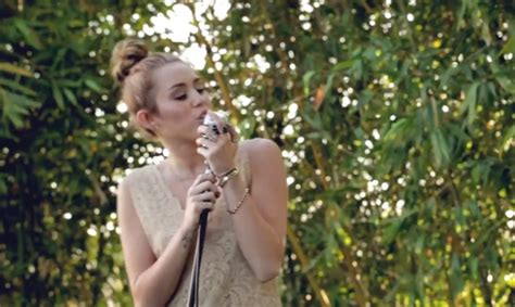 backyard session miley cyrus b log miley cyrus tailor swift und co die klingen doch