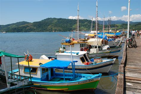boat harbor pictures file brazil paraty harbour boats jpg wikimedia commons