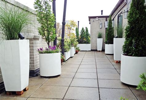 Roof Garden Planters by West Side Roof Garden White Planters Terrace Deck