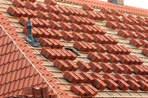 Ceramic Tile Roof Clay Tile Roofs Pros And Cons Knockout Roofing