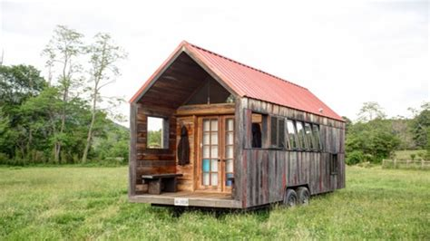 tiny home cabin small cabins tiny houses on wheels small cabins tiny