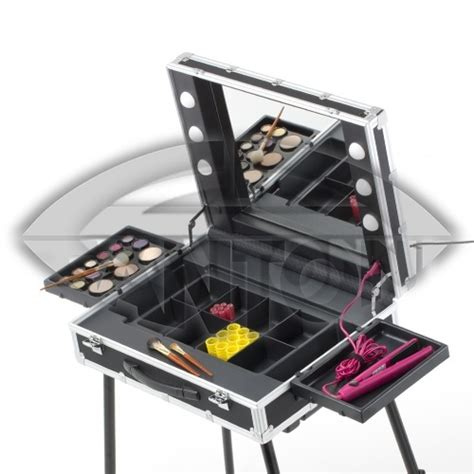 table maquillage professionnel 79 best images about miroir valise de maquillage on popular and makeup