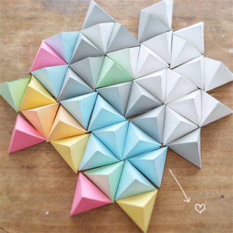 Pyramid Paper Folding - cardamomo carda do it piramides de papel flow paper