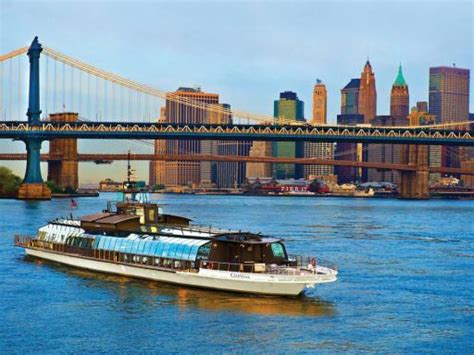 best dinner boat cruise nyc bateaux new york cruise atd