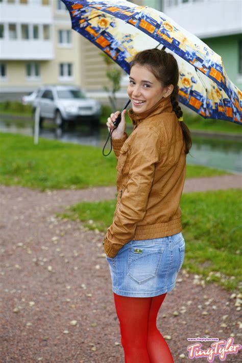 tiny tiny teen flashing in public pichunter