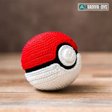 pattern for amigurumi ball pokeball quot pokemon quot free amigurumi pattern