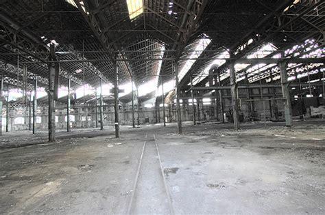 capannoni abbandonati co housing e botteghe artigiane nei capannoni da abbattere