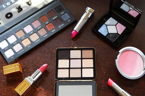Change Your Makeup With The Seasons by Does Your Makeup Routine Change With Every Season