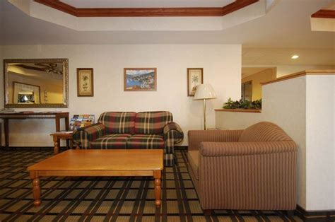 comfort suites south haven michigan hotel deals reviews redtag ca