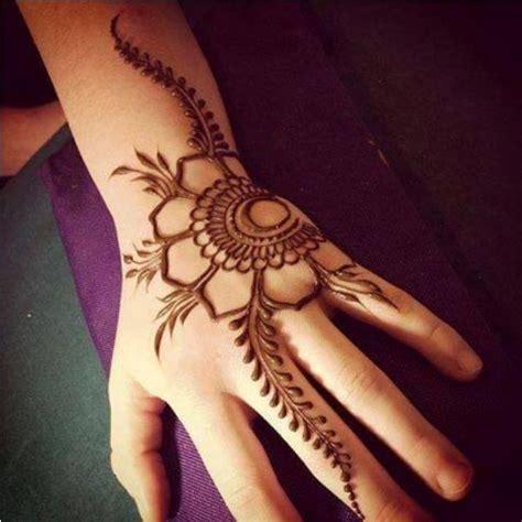 design henna simple terkini best 25 mehndi simple ideas on pinterest simple henna