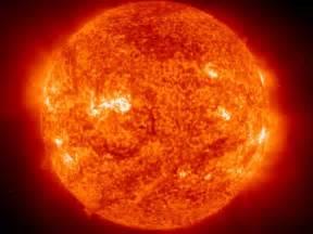 l univers et ses mysteres 1 le soleil etoile mysterieuse