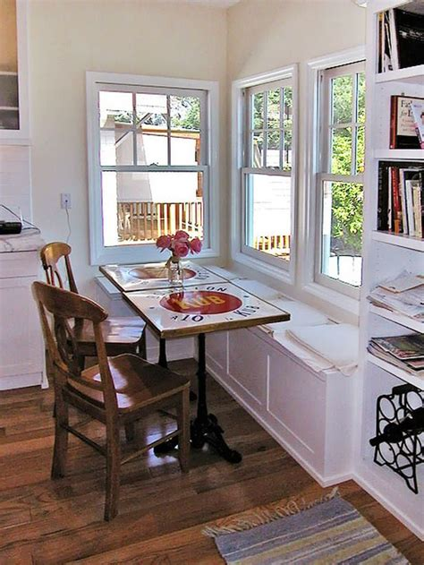 11 best images about Corner Seating on Pinterest   Round