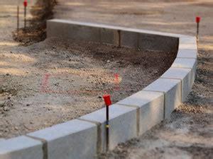 Borde Setzen Beton by Randsteine Setzen Anleitung Zum Verlegen Und Verfugen