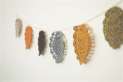free crochet pattern leaf garland more autumn leaves and leaf designs to crochet free
