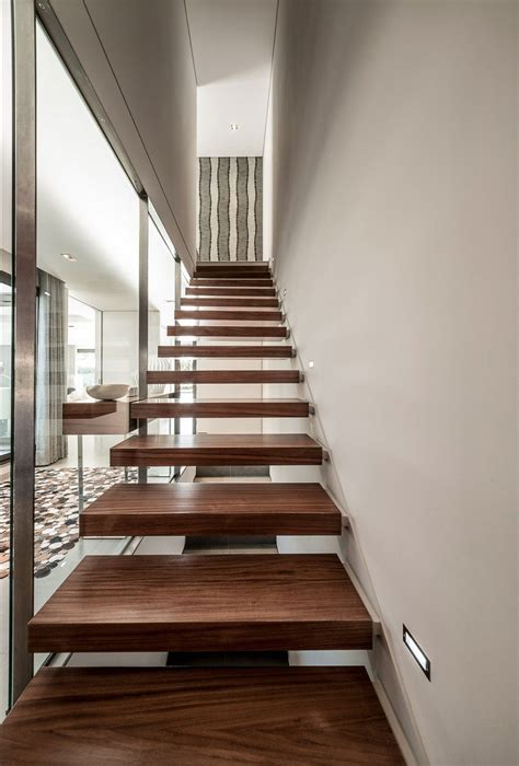 Wall Mounted Stairs Vilamoura House Designed By Groupo Dunaplana Keribrownhomes