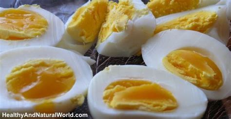 eating eggs before bed 5 things that happen to your body when you eat only one