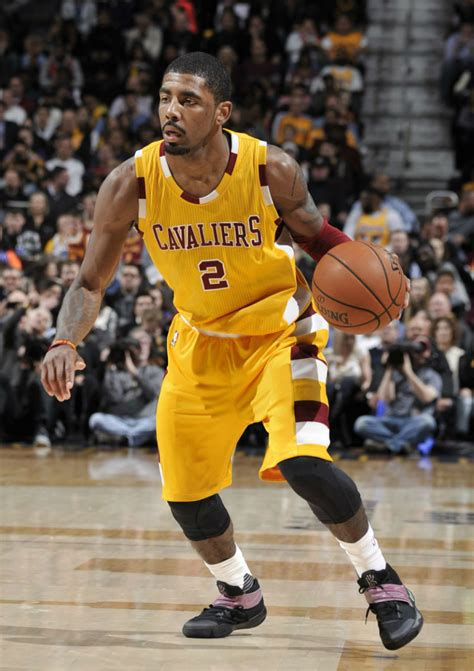 Kyrie Irving 2 Solewatch Kyrie Irving Scores Season High In The Razzle