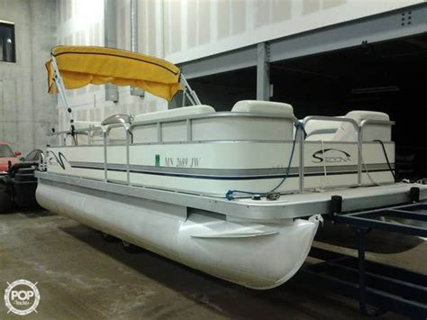 used pontoon boats mn used pontoon boats for sale in minnesota boats
