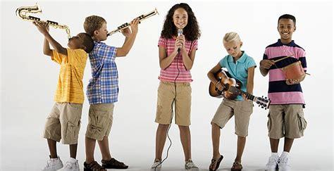 Imagenes De Niños Jugando Con Instrumentos Musicales | 10 juguetes divertidos para que los ni 241 os aprendan m 250 sica