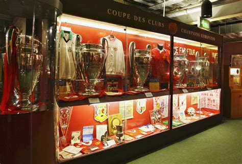 Liverpool Trophy Cabinet 25 liverpool legends the in who rocked the kop