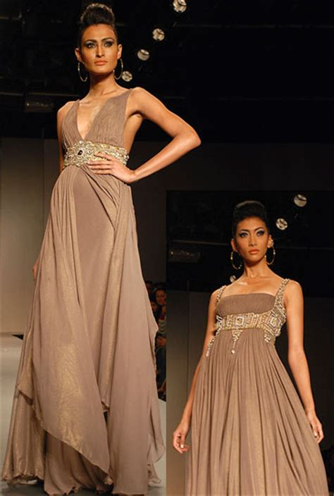 Kebaya Flowrose 1000 images about suit ideas on couture week tulle wedding dresses and