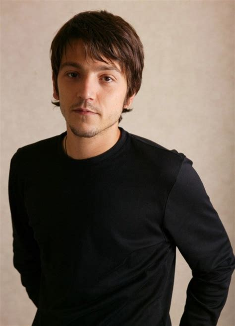 diego luna review diego luna movies list height age family net worth