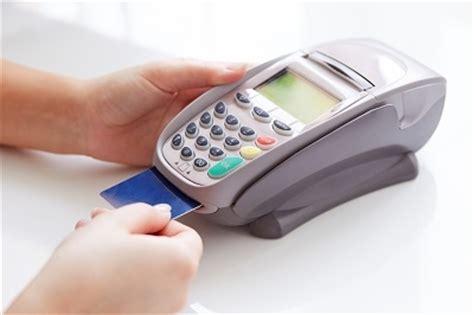 mit kreditkarte zahlen sicher so beugen banken kreditkartenbetrug vor