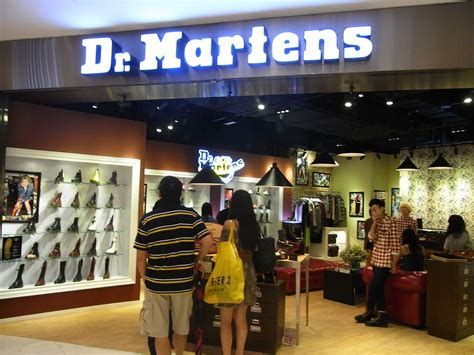 M2m Sepatu Boots Wanita how unified communications is helping dr martens expansion