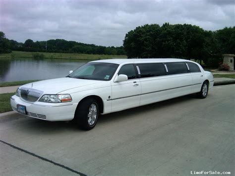 stretch limousine car used 2007 lincoln town car sedan stretch limo federal