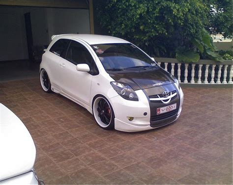 2007 toyota yaris rs how to modyfy your car modified toyota yaris rs 2007
