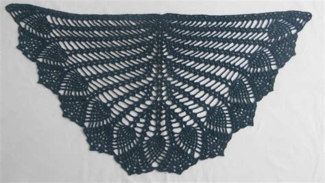 Crochet Shawl Pattern Crochet Wrap With Pineapple Motif how to crochet the pineapple stitch tutorial