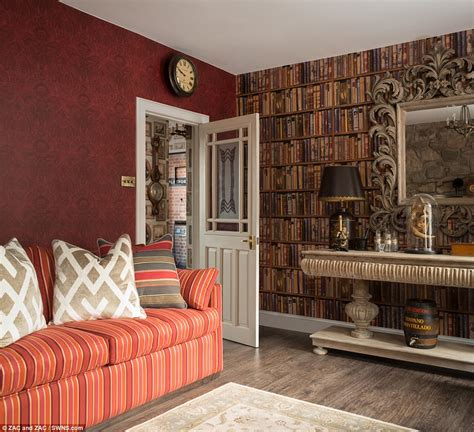 livingroom edinburgh harry potter themed rental in edinburgh daily mail