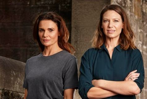 anna torv secret city season 2 renewed secret city tv tonight