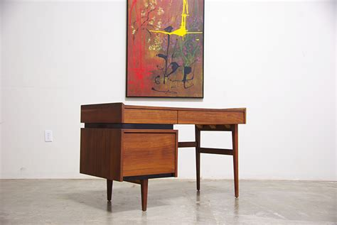 Dillingham Desk by Mid Century Walnut Desk By Dillingham Vintage Supply Store