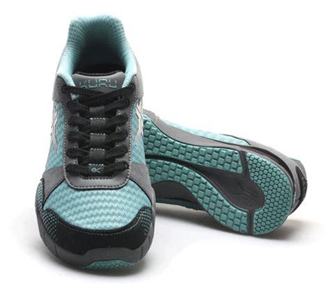 heel support sneakers kuru heel support shoes kuru footwear
