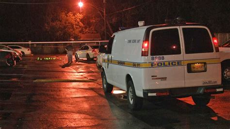 police   green runner sought  man shot killed