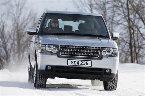 2010 range rover in the vermont snow front view