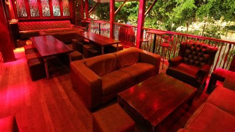 the woolshed cairns restaurant reviews phone number