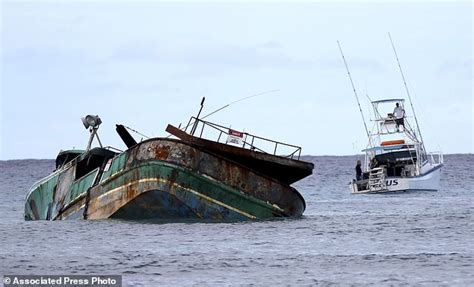 boat crash waikiki hawaii boat wreck shows eco risk of fishing fleet