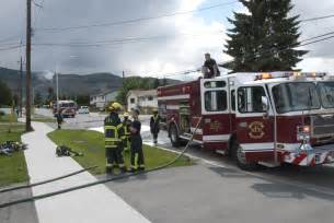 kamloops firefighters save house from flames in garage