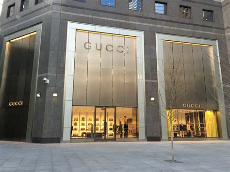 Garden State Mall Gucci Store Gucci Opens New Store In New York At Brooksfield Place