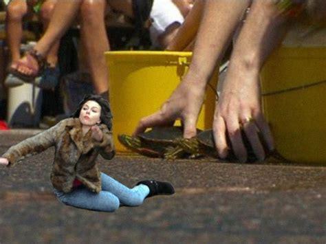 Scarlett Johansson Falling Down Meme - scarlett johansson falling down meme 45 pics